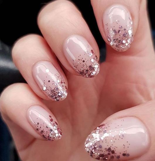 2021-09-03_093156 37+ Gorgeous nail-art designs to sparkle this winter 2021/2022