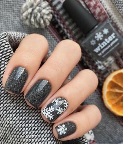 2021-09-03_095527 37+ Gorgeous nail-art designs to sparkle this winter 2021/2022