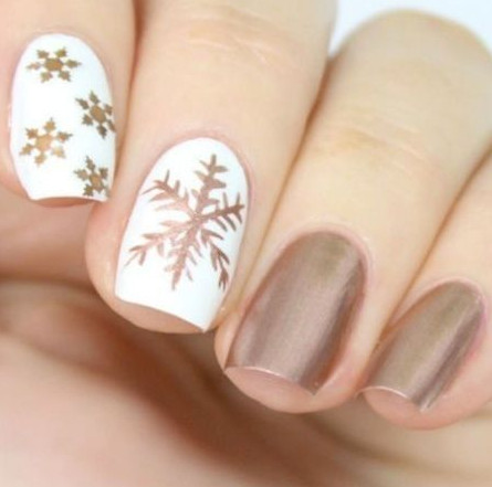 2021-09-03_095731 37+ Gorgeous nail-art designs to sparkle this winter 2021/2022