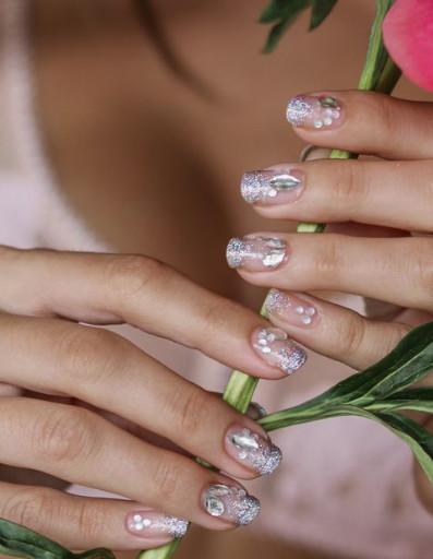 2021-09-03_101731 37+ Gorgeous nail-art designs to sparkle this winter 2021/2022