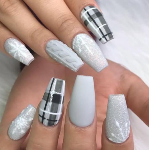 2021-09-03_102218 37+ Gorgeous nail-art designs to sparkle this winter 2021/2022