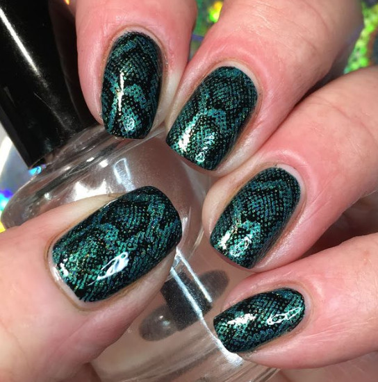 2021-09-03_103311 37+ Gorgeous nail-art designs to sparkle this winter 2021/2022