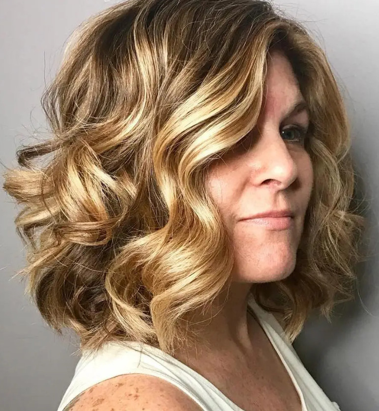 2021-09-30_083111 37+ Hottest Haircuts for Women Over 40 That Make Your Hair Look Fuller