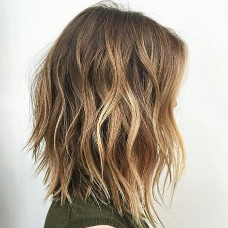 2021-09-30_083925 37+ Hottest Haircuts for Women Over 40 That Make Your Hair Look Fuller
