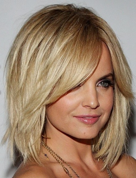 2021-09-30_084234 37+ Hottest Haircuts for Women Over 40 That Make Your Hair Look Fuller