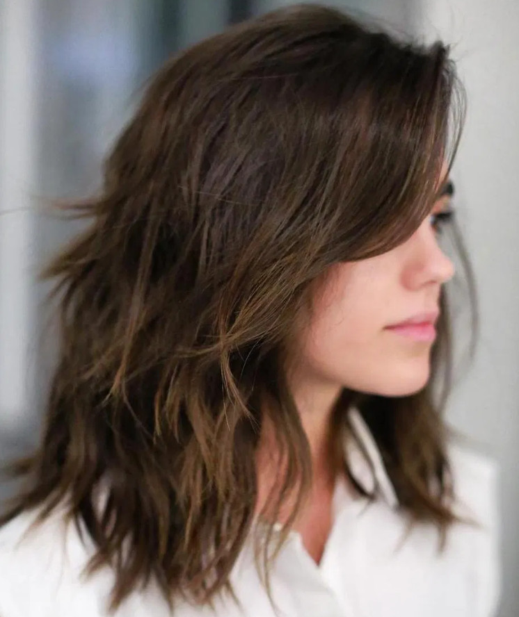 2021-09-30_085934 37+ Hottest Haircuts for Women Over 40 That Make Your Hair Look Fuller