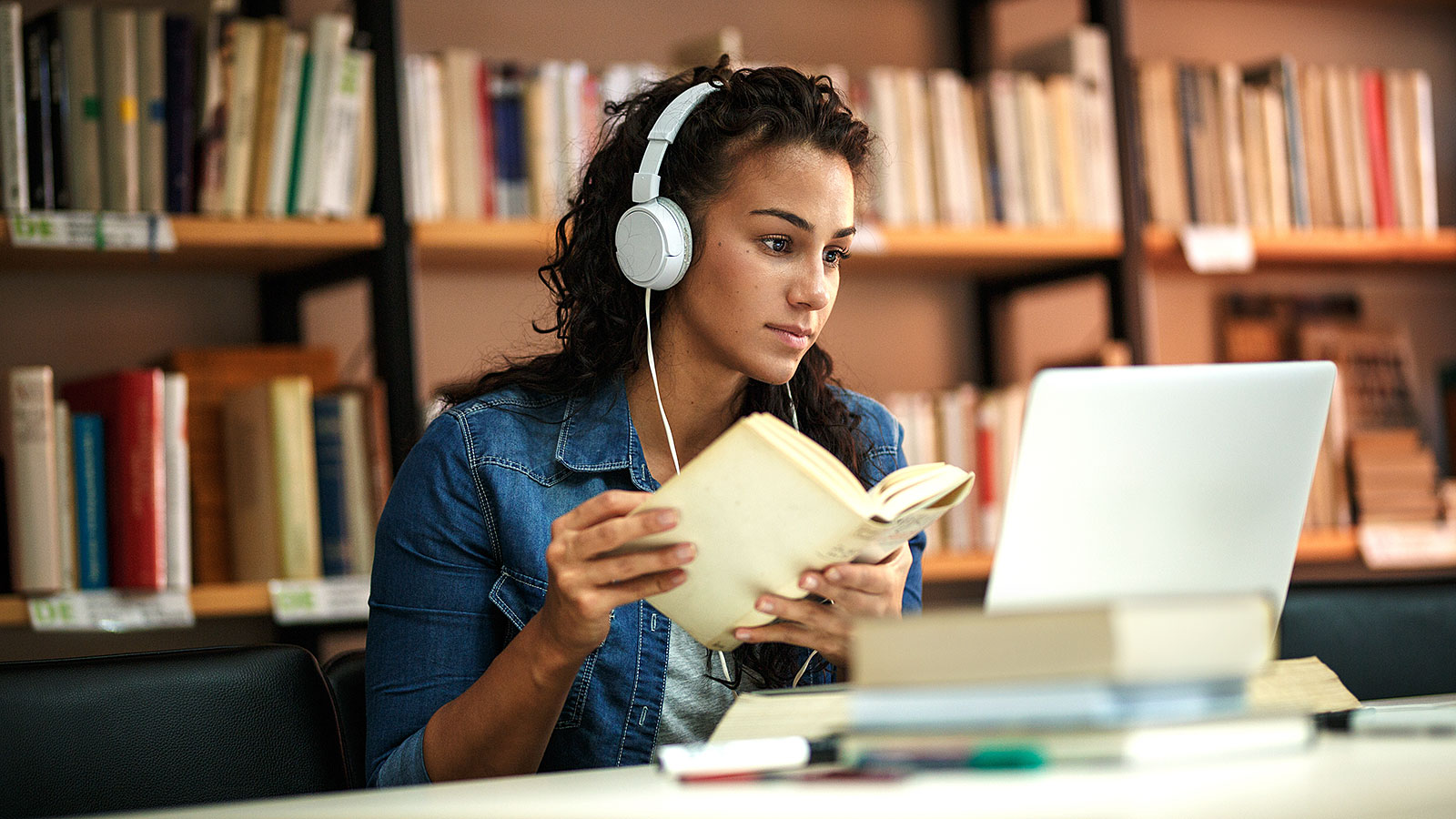 Online-Education Succeed with an Online Education: Your Guide for 2021 and Beyond