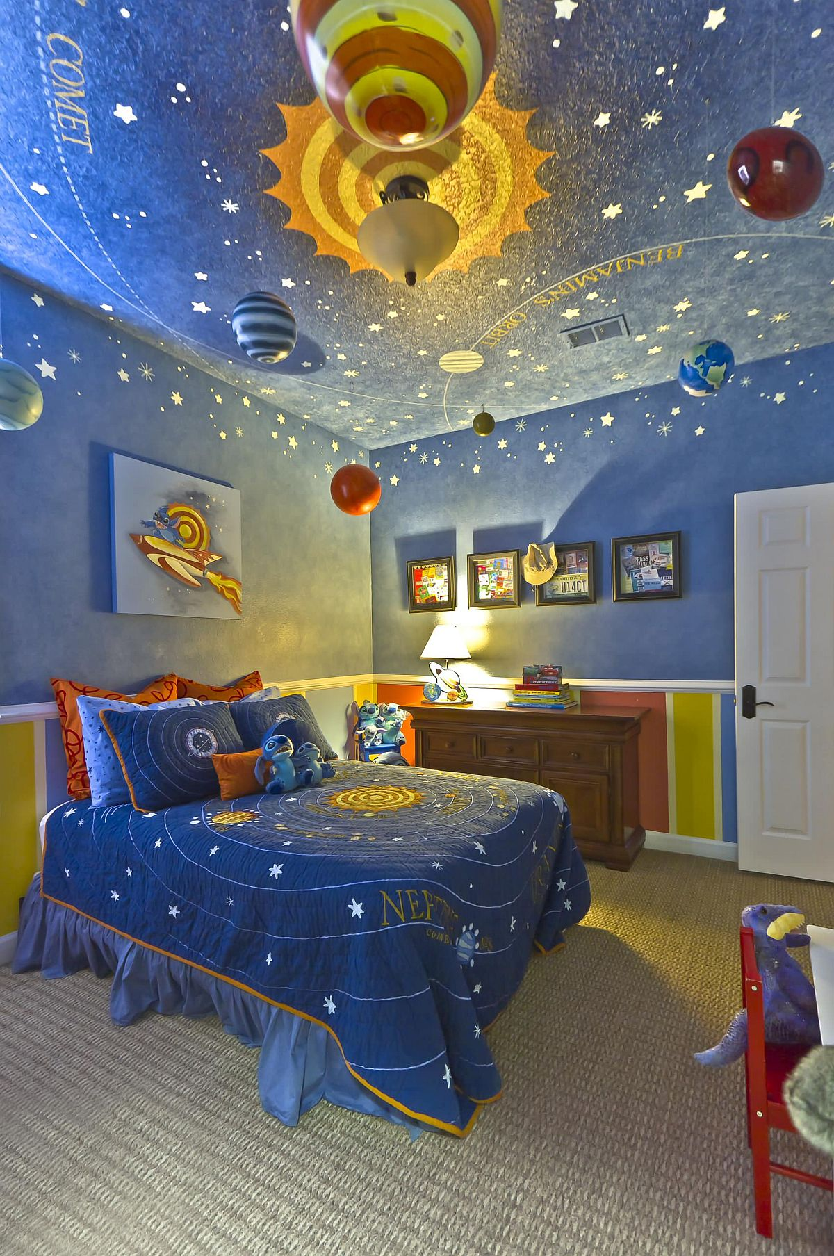 Wallpaper-on-ceilings 10 Cute Ways to Use Removable Wallpaper for Your Kid's Bedroom