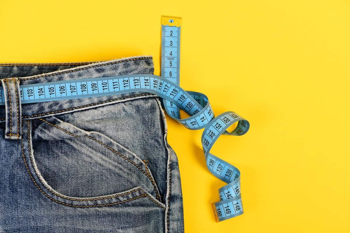 jeans-waist How Jeans Should Fit Women?