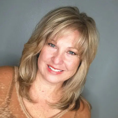 2021-10-11_211616 70+ Latest Haircuts and Hair Trends for Women Over 50 to Look Younger in 2022