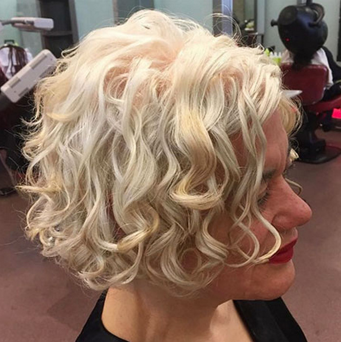 2021-10-12_041659 70+ Latest Haircuts and Hair Trends for Women Over 50 to Look Younger in 2022