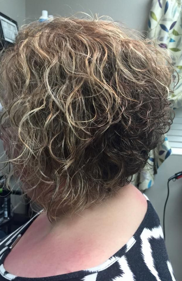 2021-10-12_041943 70+ Latest Haircuts and Hair Trends for Women Over 50 to Look Younger in 2022