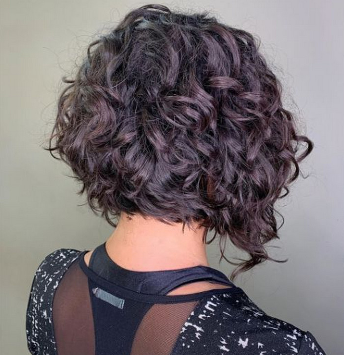 2021-10-12_042016 70+ Latest Haircuts and Hair Trends for Women Over 50 to Look Younger in 2022