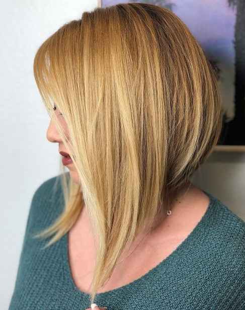 2021-10-12_050115 70+ Latest Haircuts and Hair Trends for Women Over 50 to Look Younger in 2022