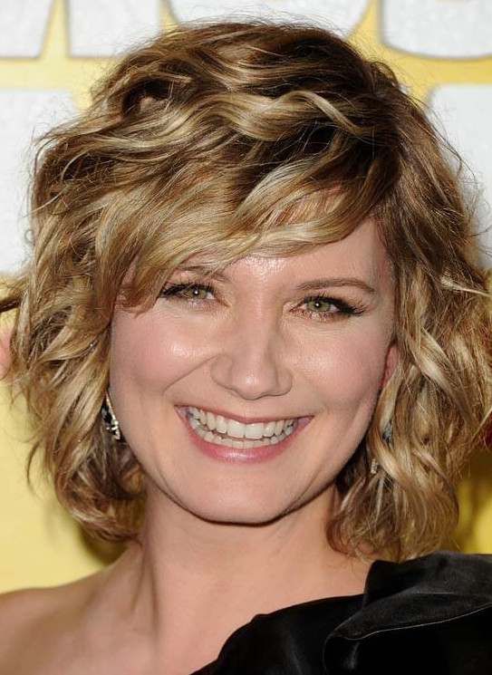 2021-10-12_050654 70+ Latest Haircuts and Hair Trends for Women Over 50 to Look Younger in 2022