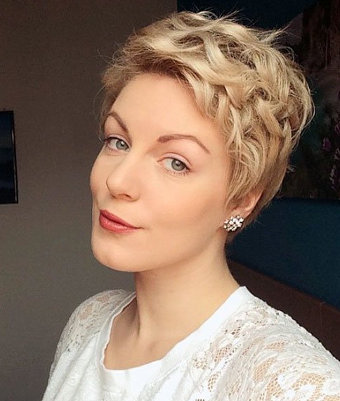 2021-10-12_092711 70+ Latest Haircuts and Hair Trends for Women Over 50 to Look Younger in 2022