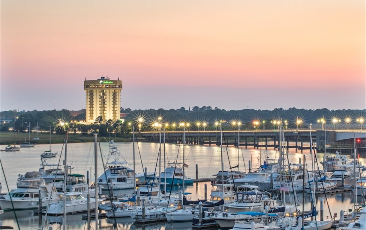 Harbor-of-Charleston Experiencing the Charms of Charleston