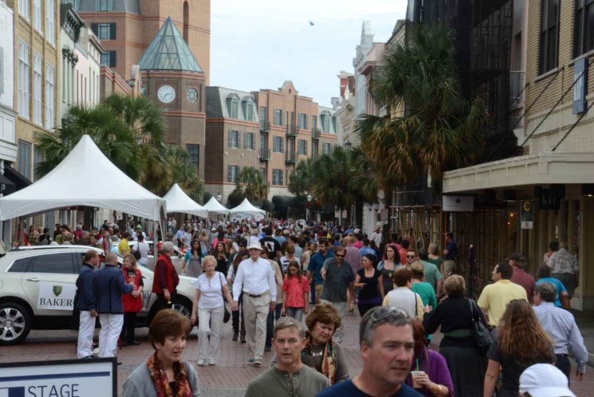 people-in-Charleston Experiencing the Charms of Charleston