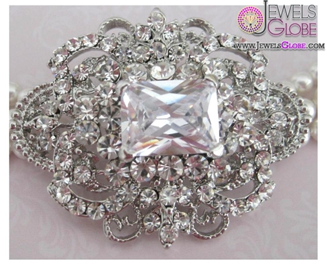 Brooch-of-Rhinestone The 11 Best Designs of Rhinestone Brooches for Women