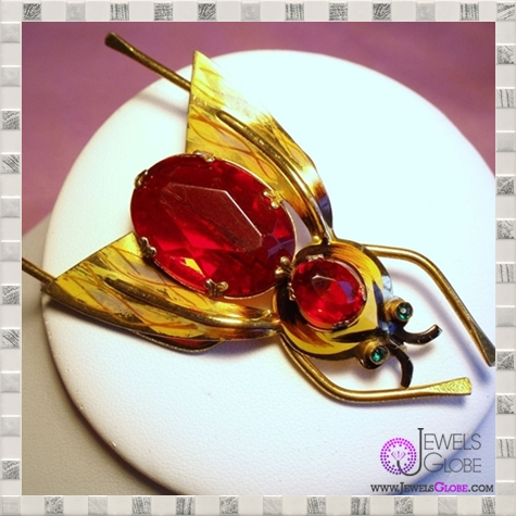 Cor-Ster-Bug.1L TOP 36 Golden Brooches