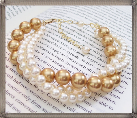 Elizabeth-pearl-bracelet-has-become-a-favorite-for-many-brides 28+ Most Amazing Pearl Bracelets For Brides