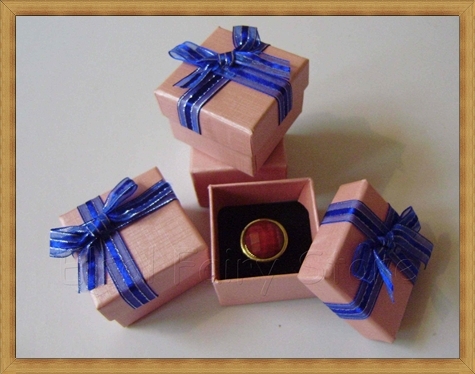 Gift-box-for-Earrings-Different-color-choice Best Ways to Choose Most Stylish Earrings