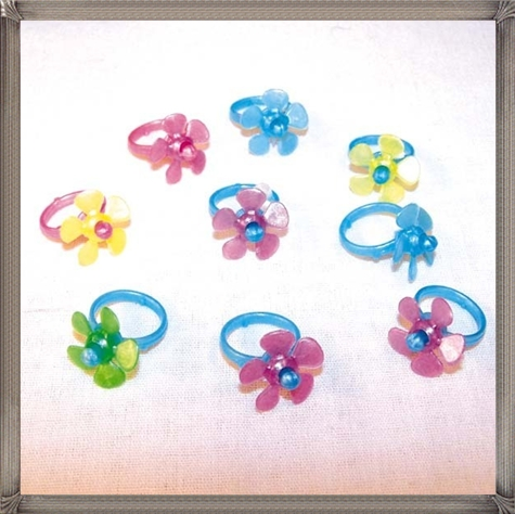 PINWHEEL-KID-RINGS-small-toys-prizes-toy-jewelry 16 STYLISH and Attractive Kids Jewelry Designs
