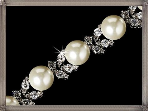 Pearl-Bridal-Bracelet 28+ Most Amazing Pearl Bracelets For Brides in 2020