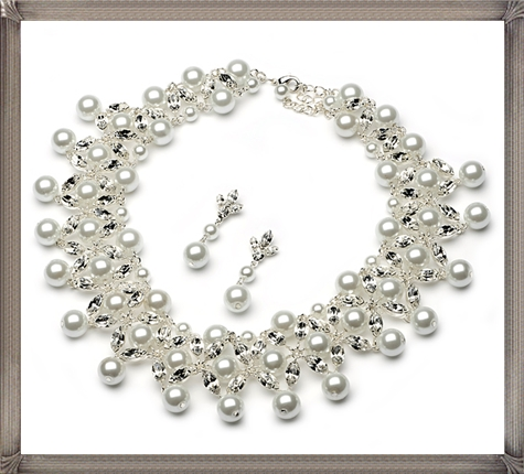 Pearl-jewelry-for-brides-pearl-wedding-jewelry-necklace-and-earrings 28+ Most Amazing Pearl Bracelets For Brides in 2020