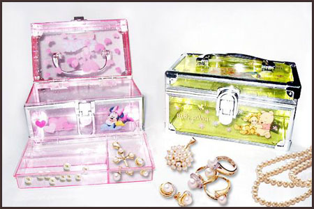 Plastic-Jewellery-Box- Best Jewellery Boxes to Keep Your Jewelry and Precious Gold in