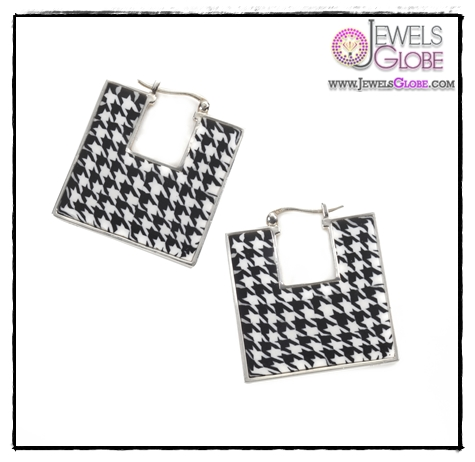 Square-Earrings-with-Houndstooth-Pattern-Design Art of Wearing Jewelry for Young Girls