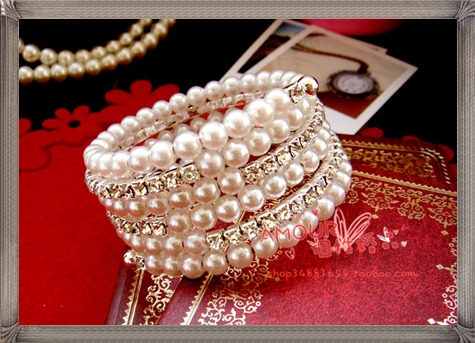 Value-bride-wedding-accessories-diamond-bracelet-diamond-pearl-bracelet 28+ Most Amazing Pearl Bracelets For Brides