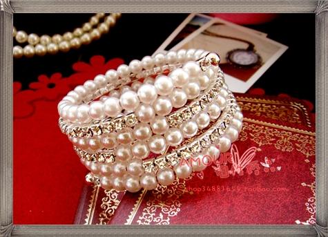 Value-bride-wedding-accessories-diamond-bracelet-diamond-pearl-bracelet 28+ Most Amazing Pearl Bracelets For Brides in 2020