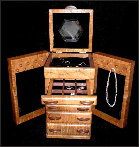 Wooden-Jewelry-Boxes Best Jewellery Boxes to Keep Your Jewelry and Precious Gold in