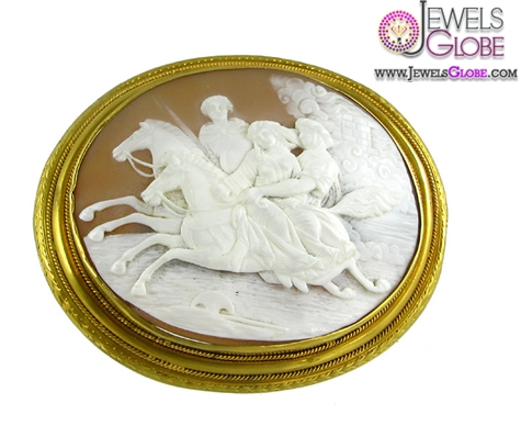 antique-oval-cameo-brooch-in-a-gold-frame 20 Women Cameo Brooches You'll Only See Here!
