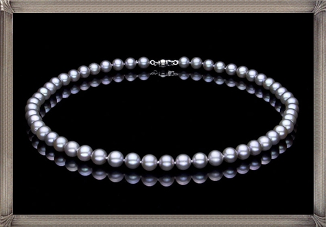 black-pearl-necklace-8-9mm-round-pearl-necklace The 15 GREATEST Mikimoto Pearl Necklaces