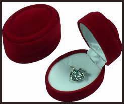 gold-jewelry-box Gold Jewelry Care Tips: How To Keep It Looking Better