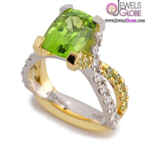 green-emerald-colored-gemstone-engagement-rings The Most Stylish Gemstone Engagement Rings