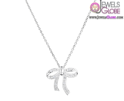 silver-diamante-necklace-for-kids 33 Amazing Designs Of Baby Necklaces