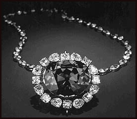the-most-expensive-diamond-necklace-in-world-11-million-dollar Expensive Diamond Necklaces with Most Popular Designs
