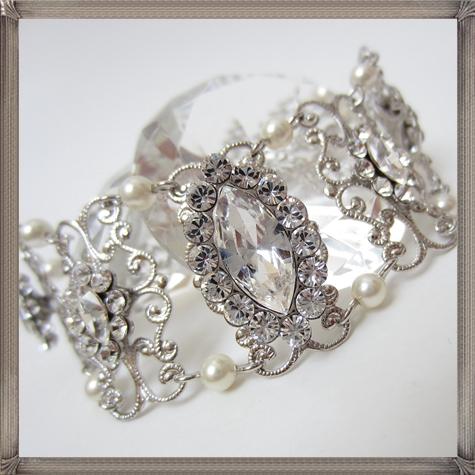 wedding-Bracelet-Rhinestone-Pearl-Bracelet-Bridal-Bracelet-Vintage-Style 28+ Most Amazing Pearl Bracelets For Brides