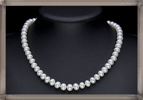 white-pearl-necklace The 15 GREATEST Mikimoto Pearl Necklaces